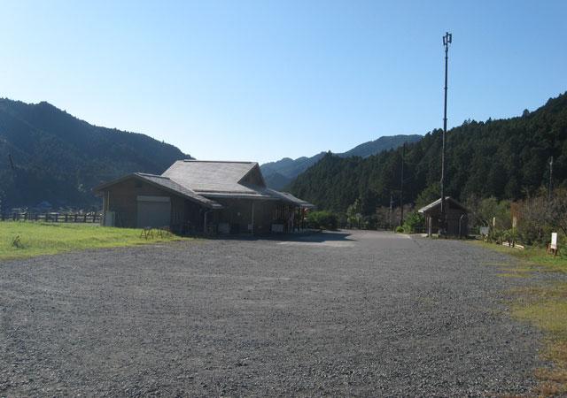 warabiyama_parking