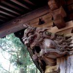 愛宕神社奥の院の門にあるみごとな彫刻