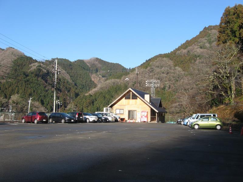 檜原村村営無料駐車場