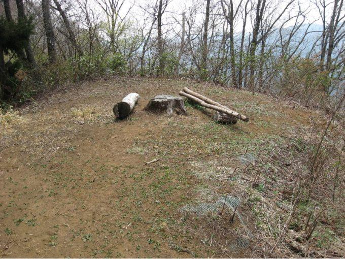 松生山の山頂スペース