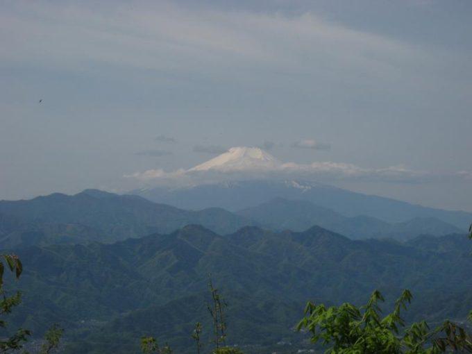 軍刀利神社前からの展望(富士山)
