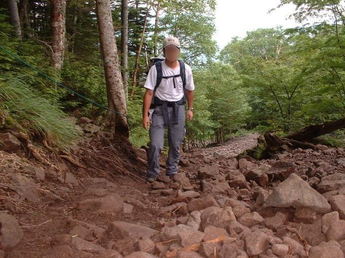 蓼科山荘前の急坂