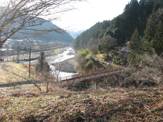 登山口手前の橋