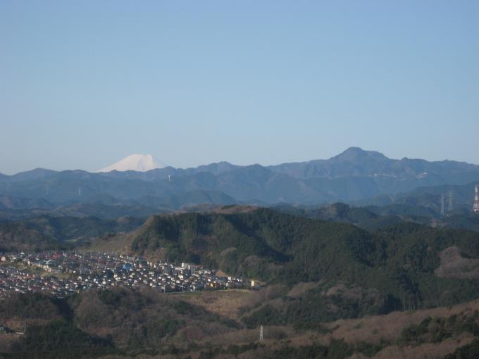 二の鳥居から見た富士山と大岳山