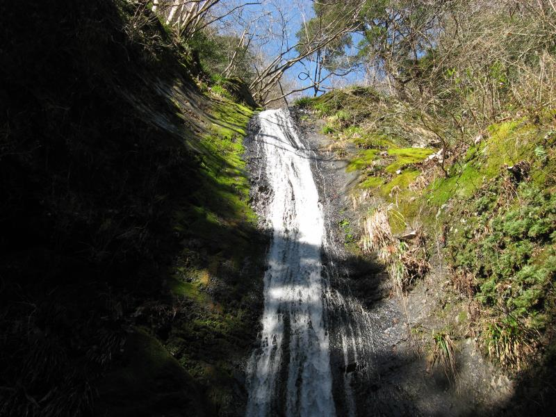 綾滝のアップの写真