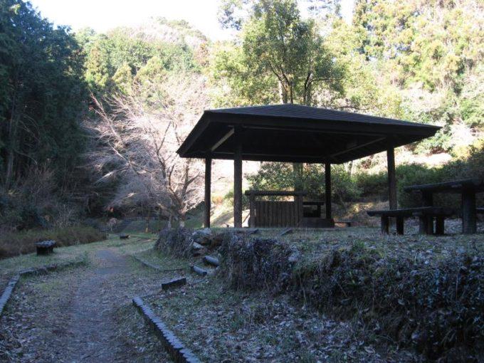 宿谷の滝上公園