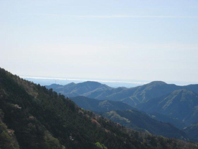 東京湾と千葉県が見える見晴らしの良い場所。