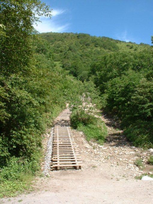地蔵岳登山口にある木製の階段