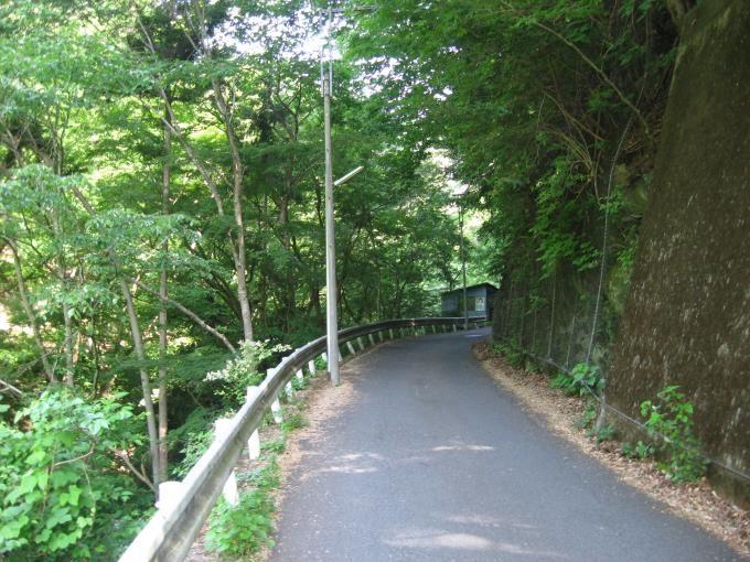 登山口への道