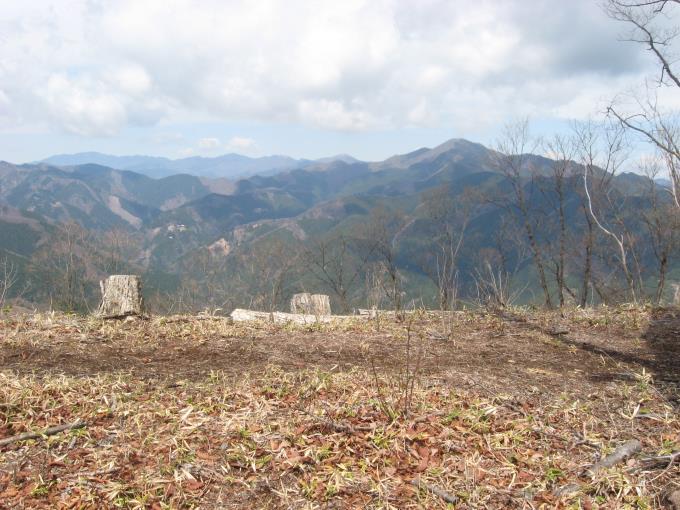 入沢山から見た御前山