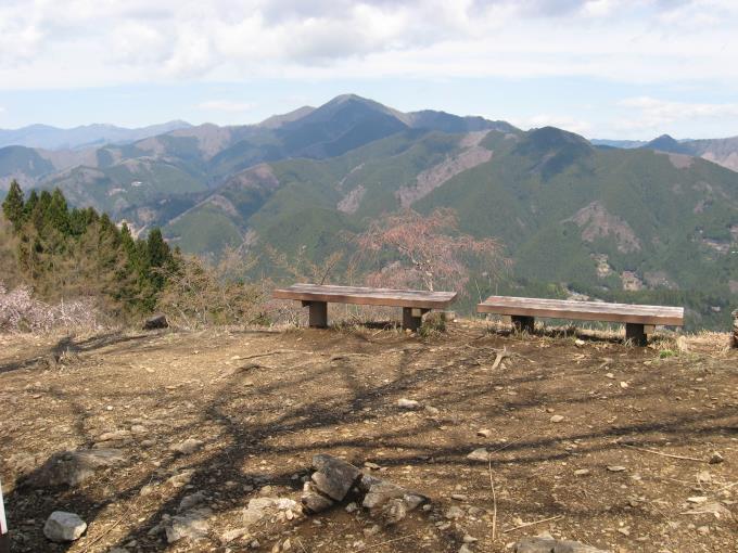 浅間嶺から見た御前山