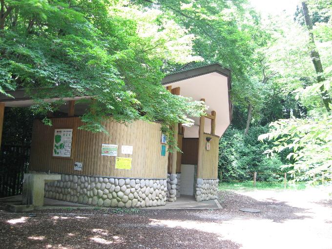 天覧山中段(広場)公衆トイレ