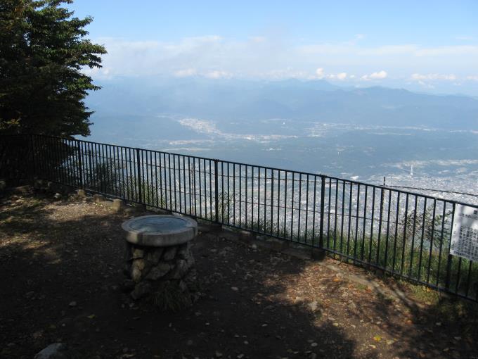 武甲山の展望台とそこからの眺め