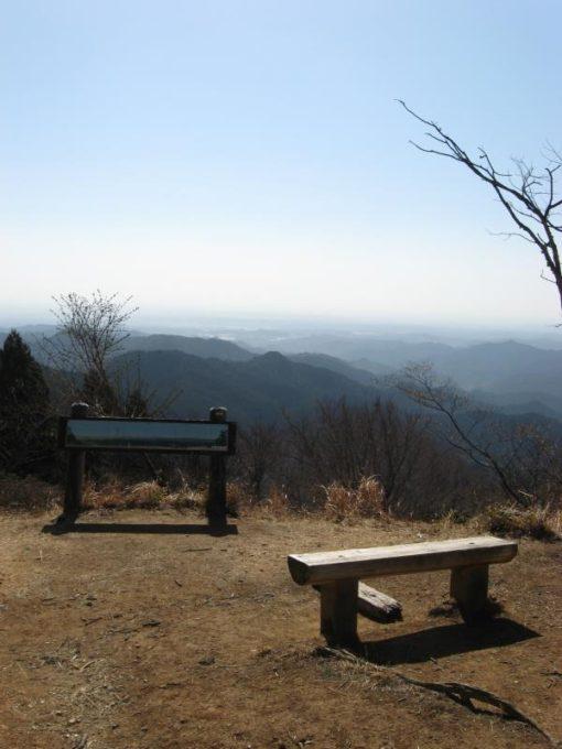 山頂からの南側の展望