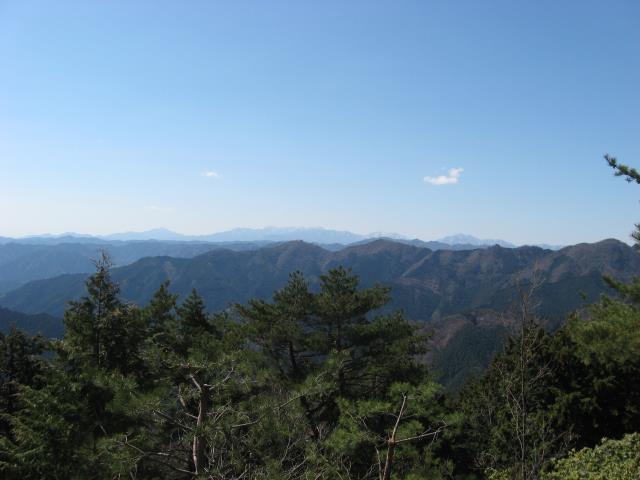 神奈川県の丹沢の山並み