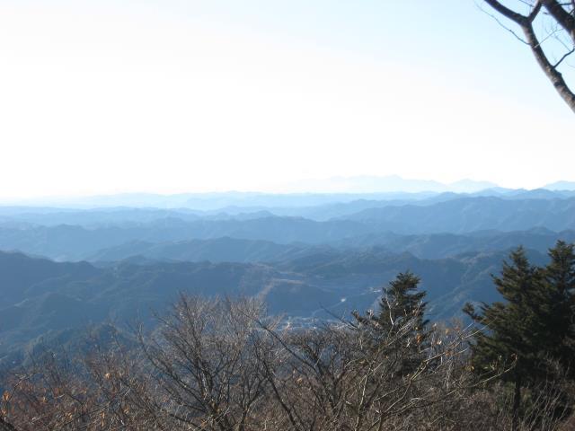 関八州見晴台の山頂から南西方向の展望