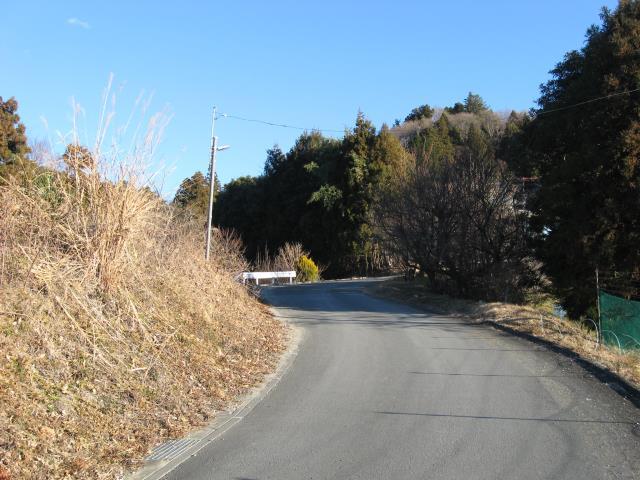 あしがくぼ果樹公園内の舗装道路