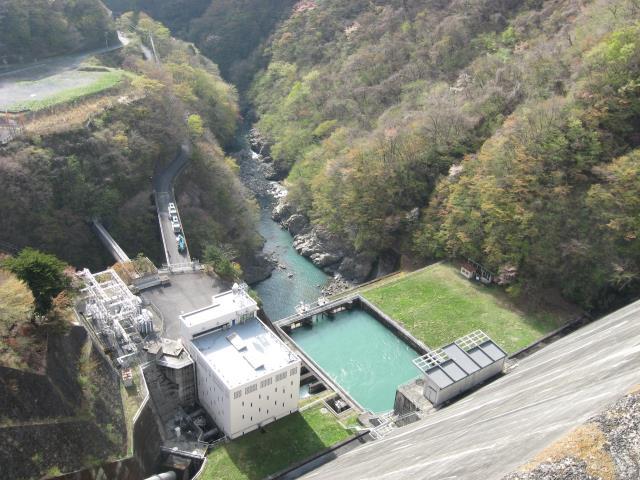小河内ダムの下側