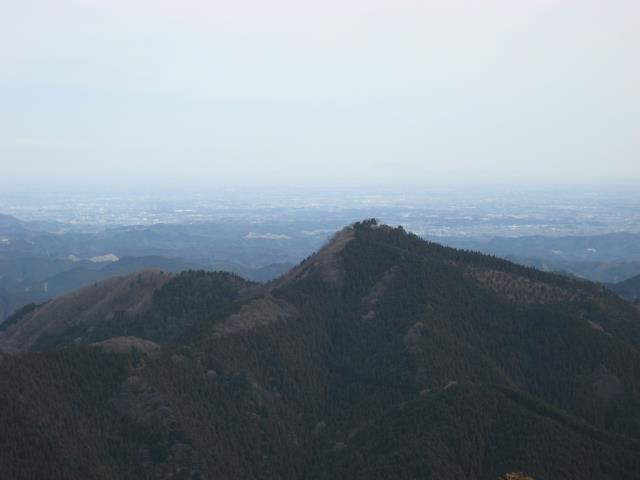 上高岩展望台から日の出山方面の眺め