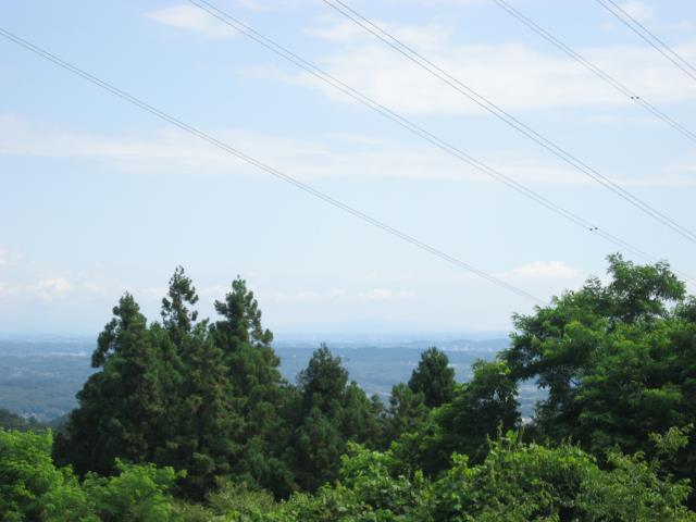 空気の乾燥した冬であればくっきり見える筑波山